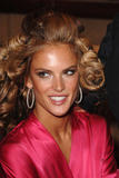 th_96887_fashiongallery_VSShow08_Backstage_AlessandraAmbrosio-51_122_1085lo.jpg