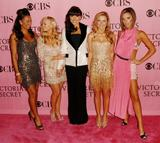 recapitulation with News & Pix since VB moved to L.A Th_37497_celeb-city.eu_Spice_Girls_Victorias_Secret_Fashion_Show_ar_142_123_1132lo