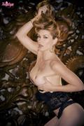 Heather-Vandeven-Bow-Down-To-Royalty-g5hiik86zm.jpg