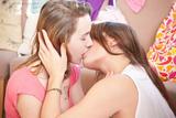 Aletta & Klara [Zip]355iadbwge.jpg