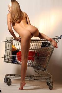 http://img165.imagevenue.com/loc407/th_000243280_tduid300163_MetArt_Entita_Alyssa_A_high_0107_123_407lo.jpg