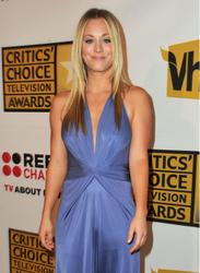 Калей Куоко, фото 229. Kaley Cuoco Sarah Michelle Gellar attends the 2011 Critics' Choice Television Awards on June 20, 2011 at the Beverly Hills Hotel in Beverly Hills, California., photo 229
