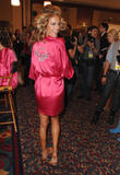 th_97063_fashiongallery_VSShow08_Backstage_AlessandraAmbrosio-65_122_770lo.jpg