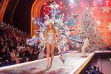th_97717_Victoria_Secret_Celebrity_City_2007_FS399_123_998lo.jpg